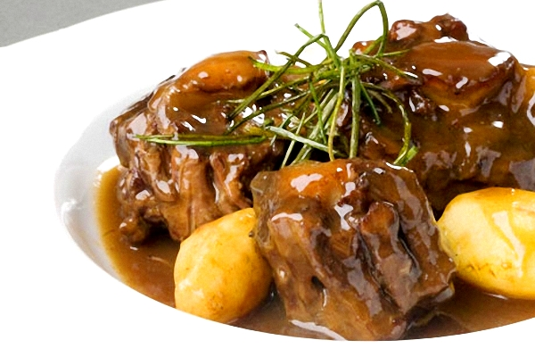 Food from the world rabo de toro food and travel blog - Rabo de ternera estofado ...