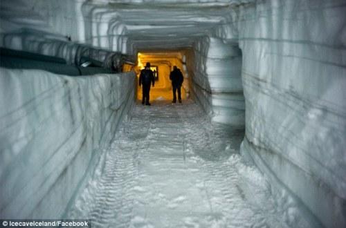 Ice-tunnel