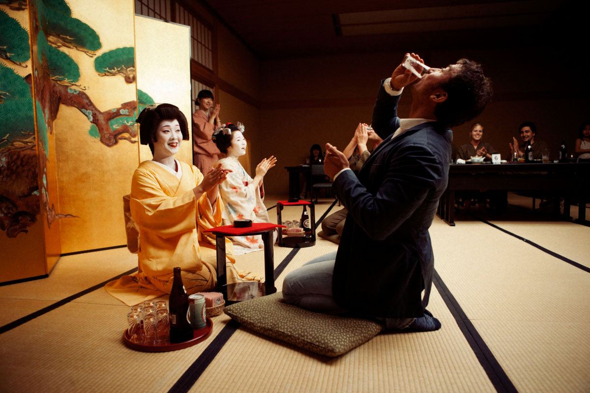7 Important Japanese Customs Tourists Must Know