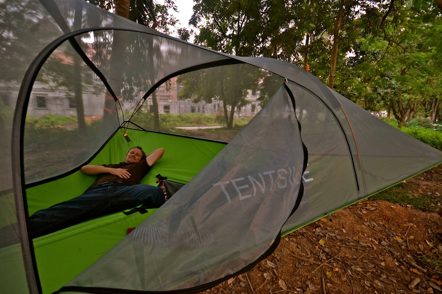 Suspended Tents for Outdoors Fun
