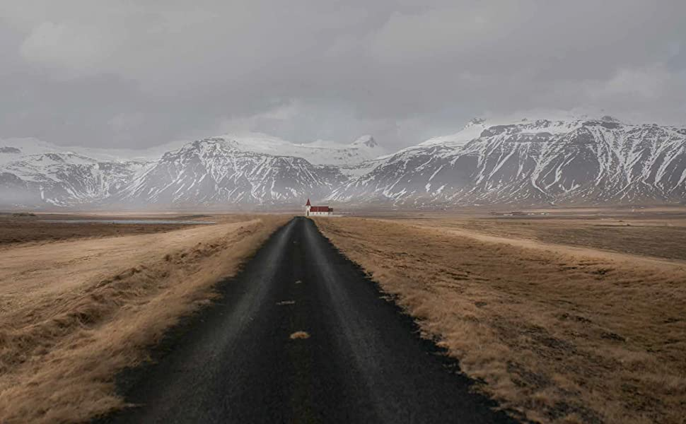 deserted road to the mountains