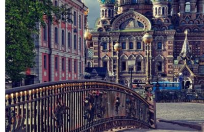 ST. PETERSBURG Russia: A Captivating Coffee Table Book with Photographic Depiction of Locations (Picture Book), Europe traveling